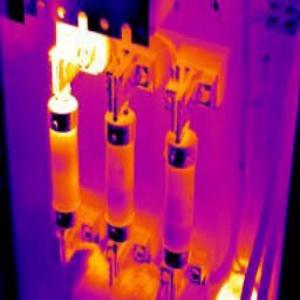 บริการวัดค่าอุณหภูมิภายในตู้ไฟฟ้า